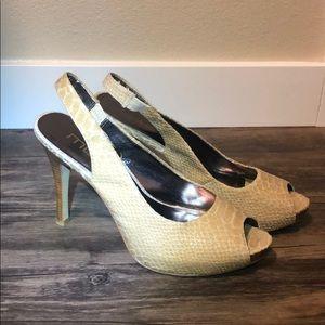 Snake-like cream/white high heel slings size 8